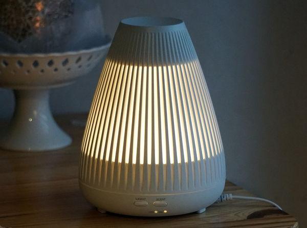 Aroma Diffuser Soehnle Bari LED-Licht eingeschaltet